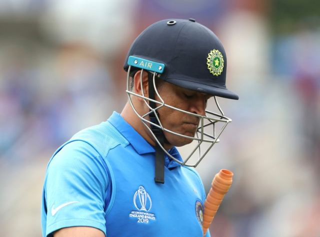 ms-dhoni-started-and-ended-his-career-with-a-run-out