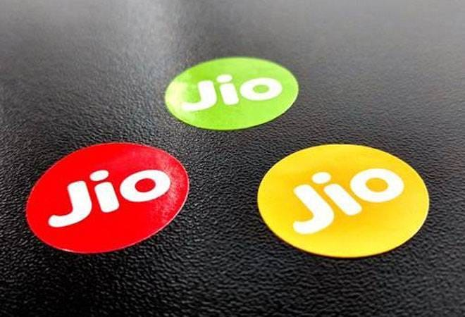 Reliance Jio wants govt to stop Airtel eSIM on Apple watches