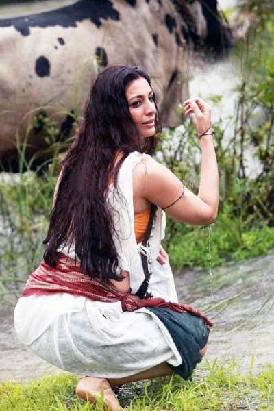 Tabu backside Height, Weight, Age, Body Measurement, Wedding, Bra Size, Husband, DOB, instagram, facebook, twitter, wiki