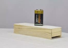9-вольтовая батарейка