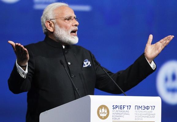 Eurasian Economic Union Chairman Meets PM Modi in St. Petersburg