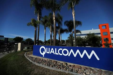 ‪‪Qualcomm‬ Rejects ‪Broadcom' Buyout Offer
