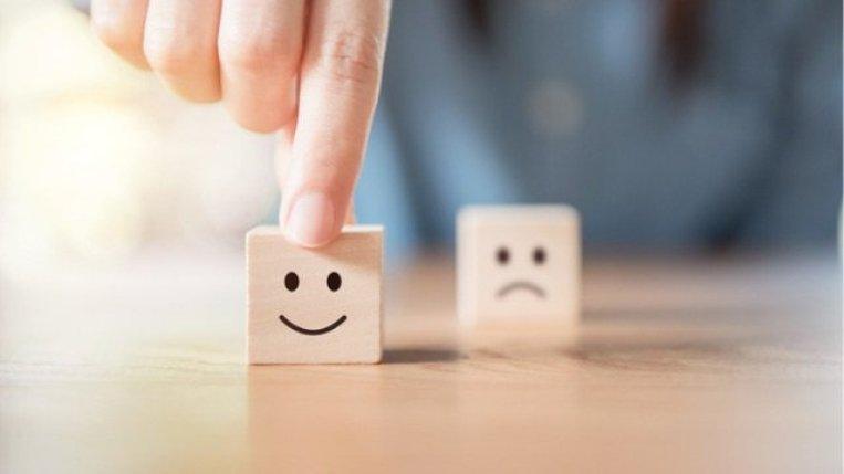 happy customer sad customer
