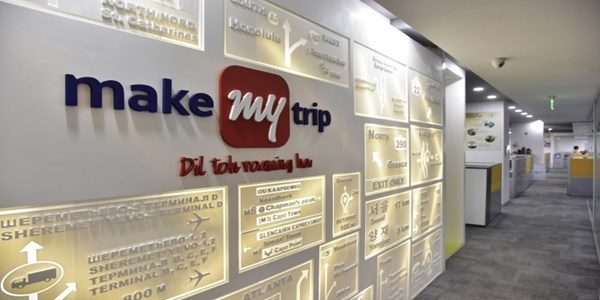 MakeMyTrip's RedBus Further Takes On Uber, Ola Ride Sharing Facility; Extends To Delhi