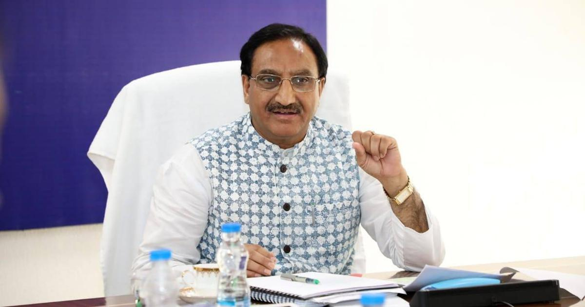 Education Minister Emphasised on Proactive Mobility of Between IITs and Industry