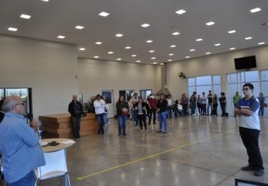 Trabalhadores de várias metalúrgicas assinam acordo de redução de jornada e de salários