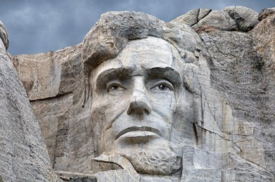 PRESIDENT LINCON AT MOUNT RUSHMORE