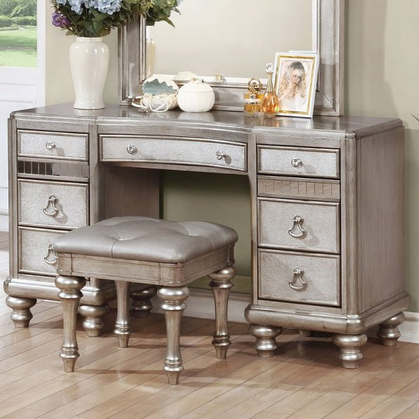 Bedroom Vanity with Mirror Set