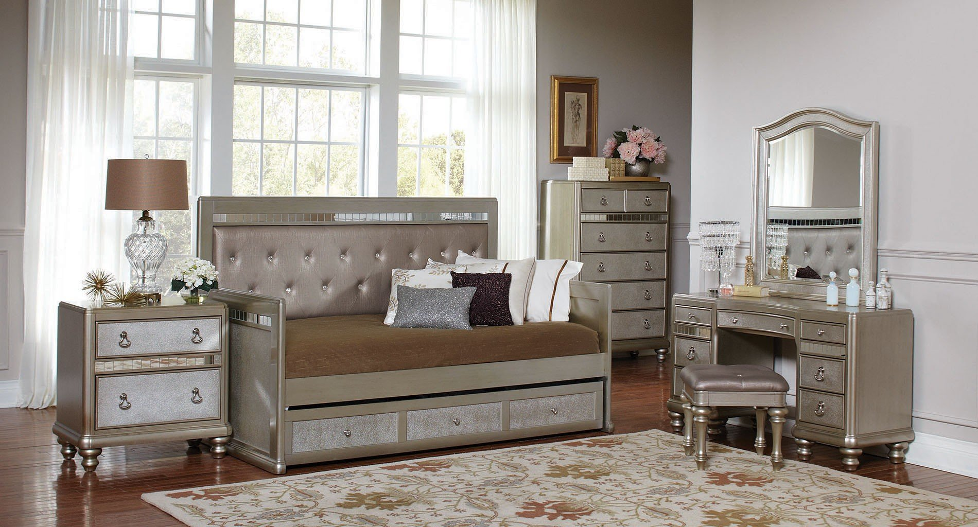 Bling Game Daybed Bedroom Set by Coaster Furniture
