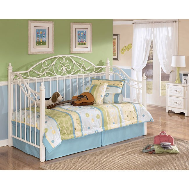 Exquisite Daybed Bedroom Set by Signature Design by Ashley
