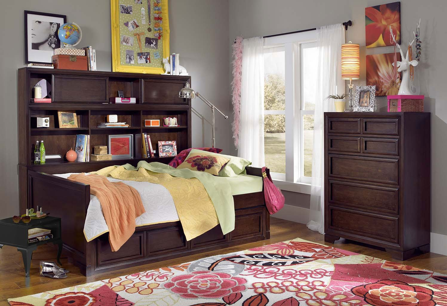 Benchmark Bookcase Daybed Bedroom Set