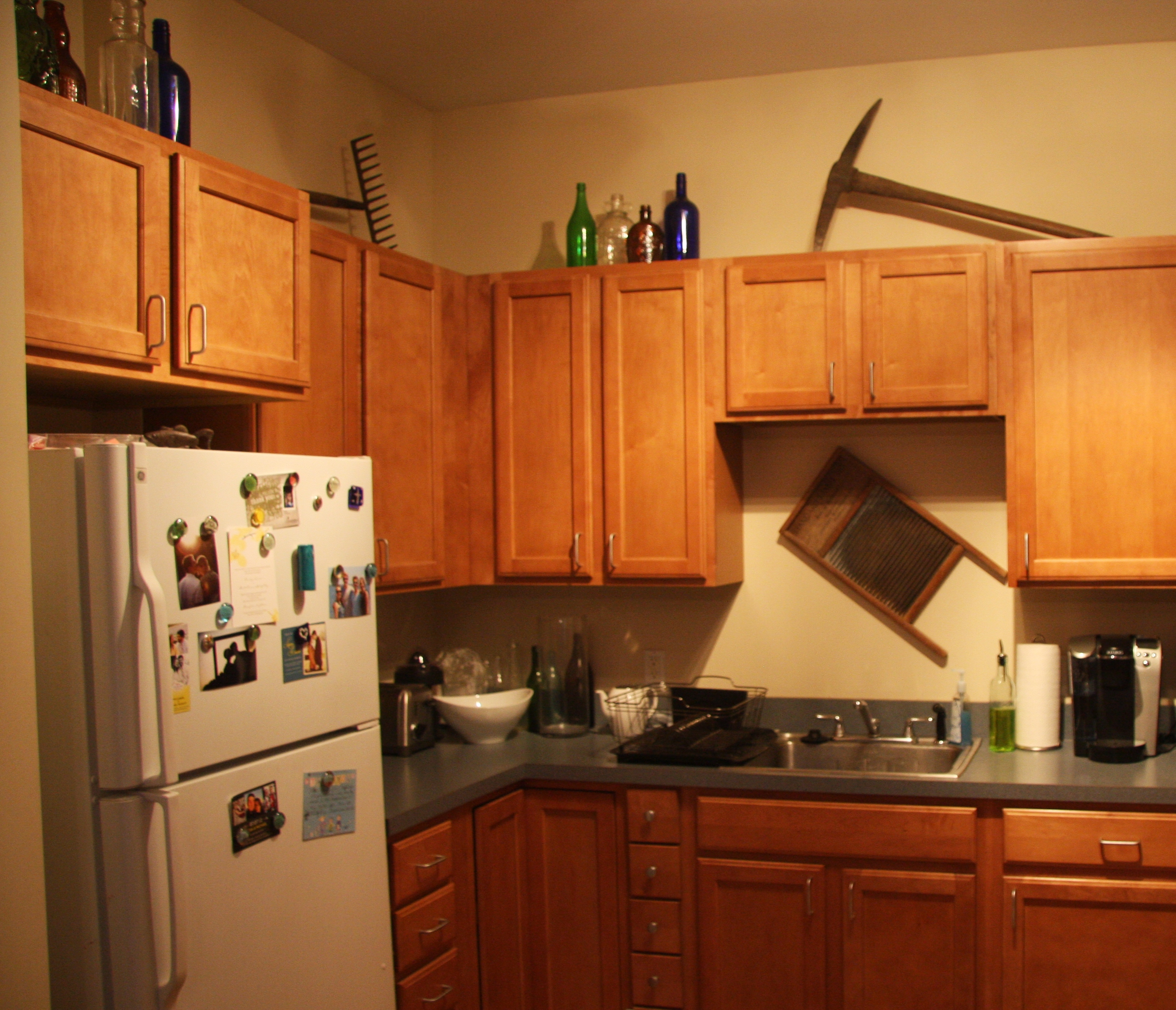 Decor For Tops Of Kitchen Cabinets