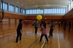 風船バレー練習の様子.jpg