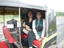 my rickshaw buddies/ Meine Richkscha-Mitfahrerinnen