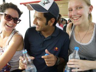 A fun train ride on Elephanta Island/ eine lustige Fahrt mit der Bimmelbahn auf Elephanta Island