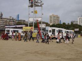 Celebrating the Ganesh Festival at the beach/ Ganesha Festival am Strand