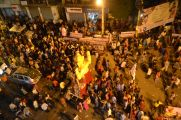 Crowd and Ganesha/ Die Menschenmenge und eine Ganesha Statue