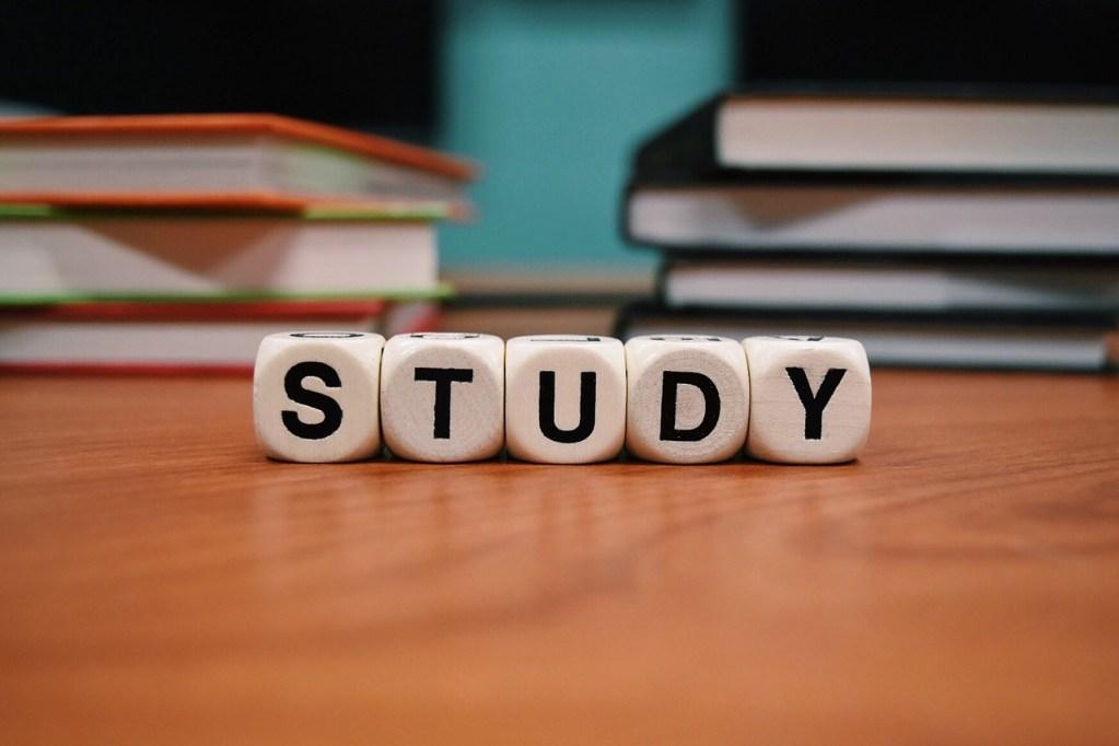 勉強を早めに始めて準備する