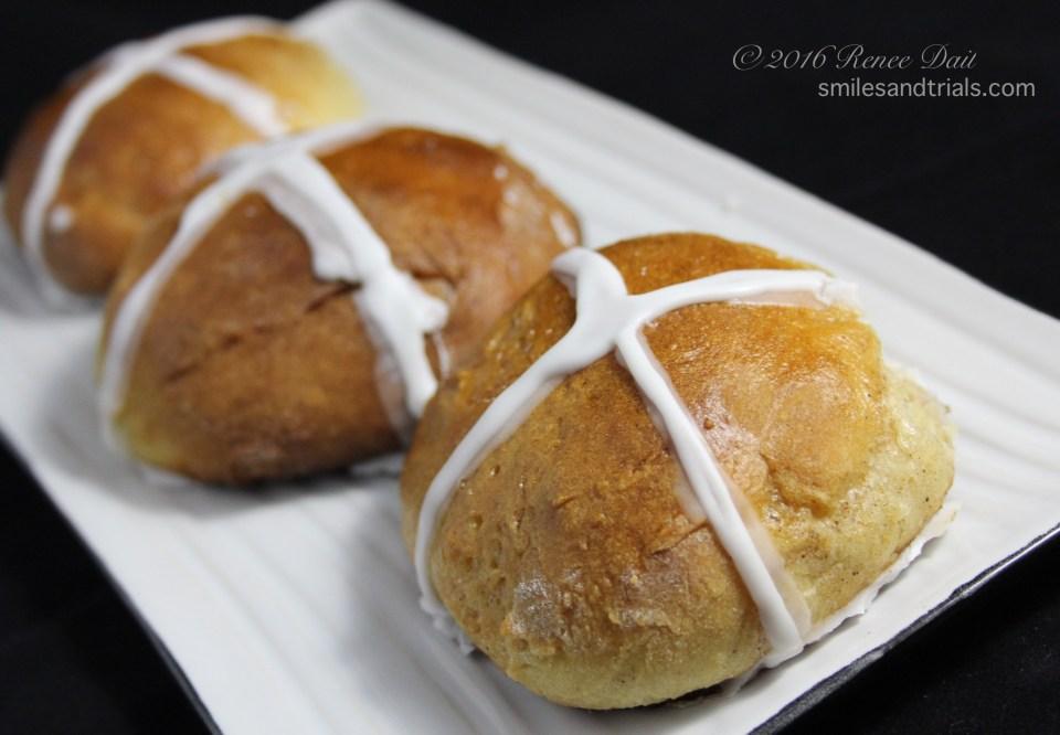 3919 hot cross buns