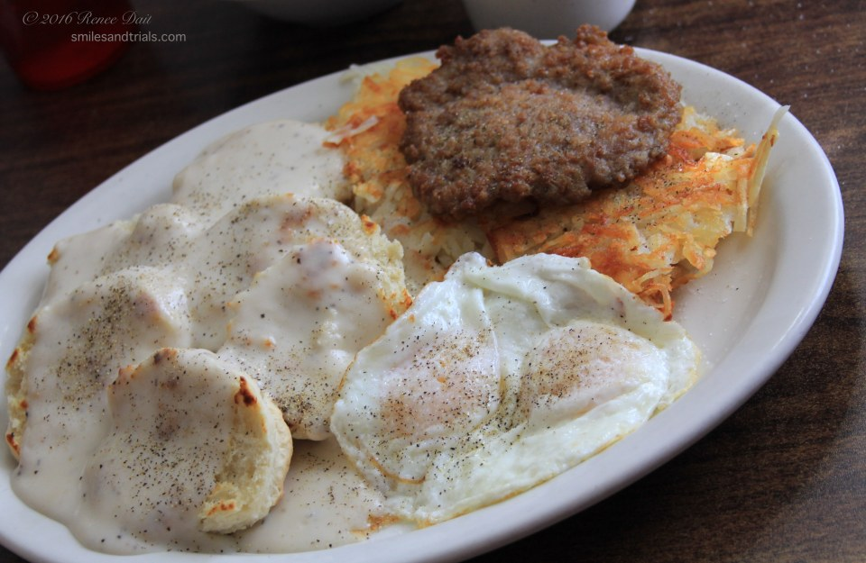5812-all-american-diner-value-meal-plus-biscuits-and-gravy