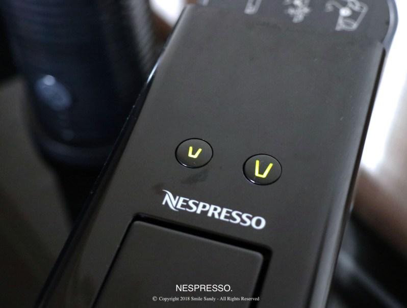 Nespresso Essenza Mini 膠囊咖啡機-亮燈開機