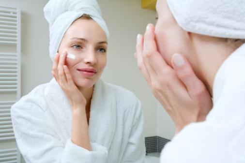 дневной крем для лица нанесение на кожу