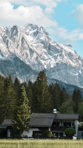 smileyioana.com | 10 Free Travel Wallpapers - Zugspitze