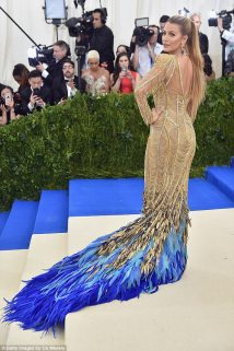 Blake Lively - Atelier Versace