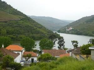 Les toits de Pinhao et le Douro