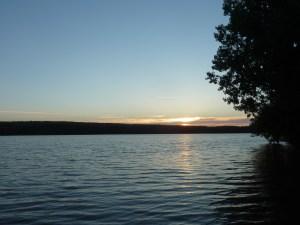 Coucher de soleil sur le lac de Paimpont