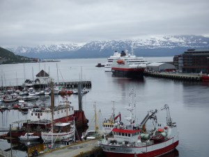 Notre bateau amarré dans le port de Tromso