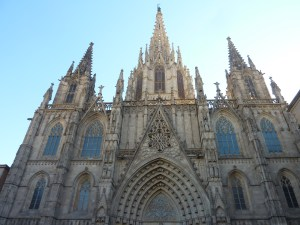 La superbe cathédrale gothique de Barcelone (à ne pas confondre avec la Basilique de Gaudi)