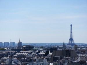 Vue sur Paris depuis le toit-terrasse du musée Pompidou
