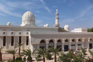 La grande mosquée d'Aqaba de jour...