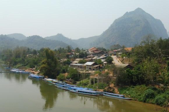 L'embarcadère de Nong Khiaw