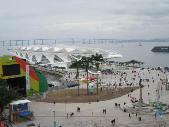 Porto Maravilha et l'architecture étonnante de *** vus depuis la terrasse (gratuite) du musée d'art