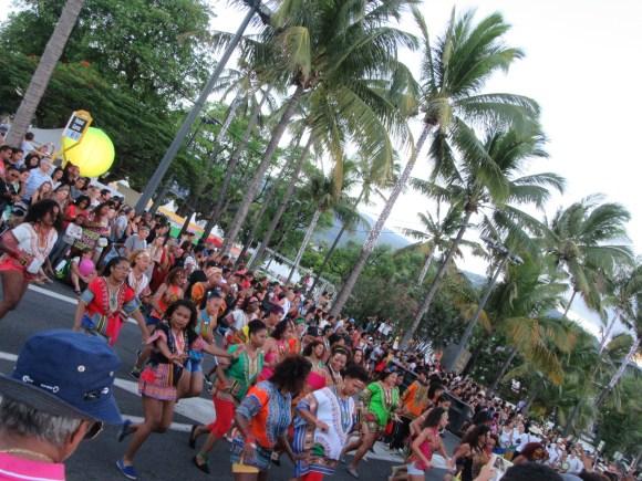 """Défilé de la """"Fêt Kaf"""" le 20 décembre, qui célèbre l'abolition de l'esclavage à la Réunion"""