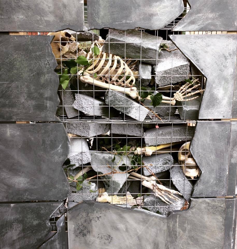 smith+jakes Haunted House Set - Detail