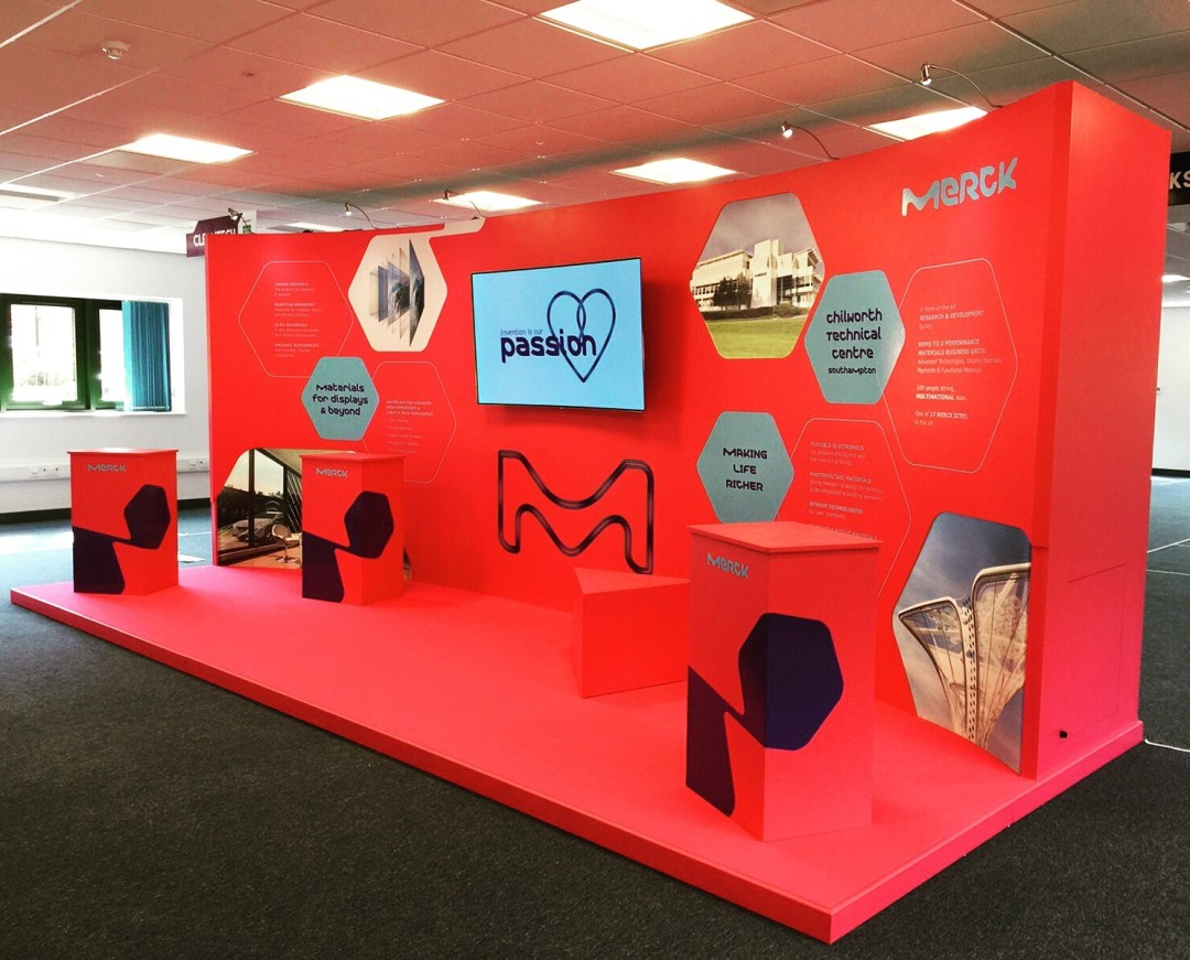 Curved Lightbox Exhibition Stand