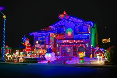 do you have your house decorated with christmas lights and decorations send us your address and we will add you to the christmas lights directory below