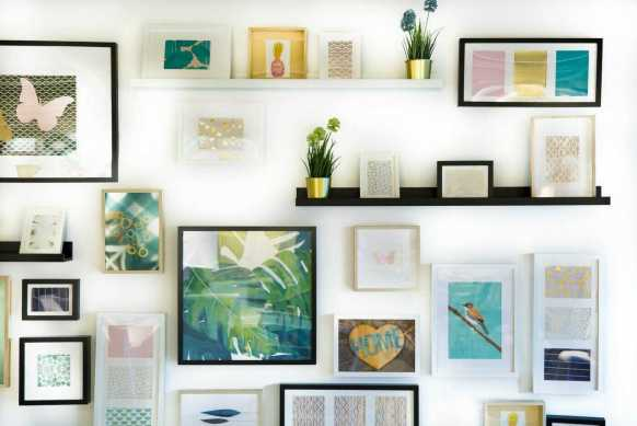 A gallery wall, or any large wall that displays an art collection is more than a trend in home decor. Where did the idea for the gallery wall come from? Is a gallery wall the best way to display an art collection? Art lovers and collectors find gallery walls perfect for displaying their favorite pieces. And the look can be either formal or informal.