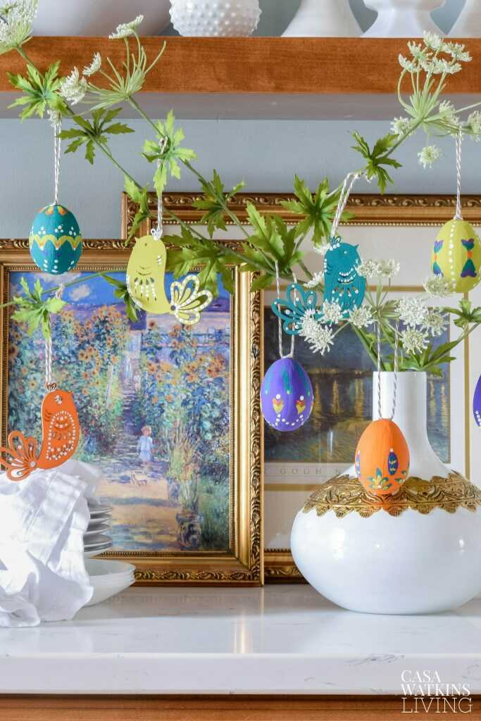 Easter is one of our favorite holidays, bursting with bright and playful colors, so don't be afraid to take a few risks and shake things up with your spring decor. Get creative with your spring tabletop and decor ideas. Here are a few of our favorite ways to make a truly memorable Easter table, from tablecloths to chairs and a whole range of spring decor and accessories. Mix one, two or more of our ideas for a truly rule-free look!