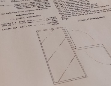 LG received U.S. patent D897,302 for a triple screen foldable phone