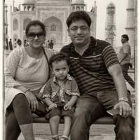 Taj People 9 : Family Group