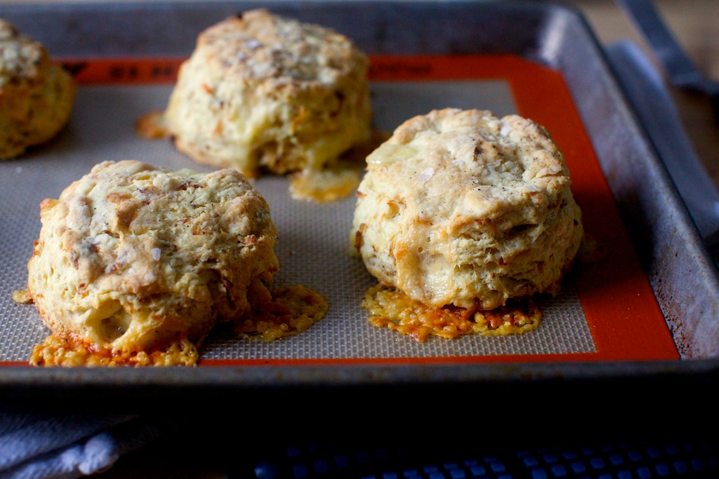 caramelized onion and gruyère biscuits