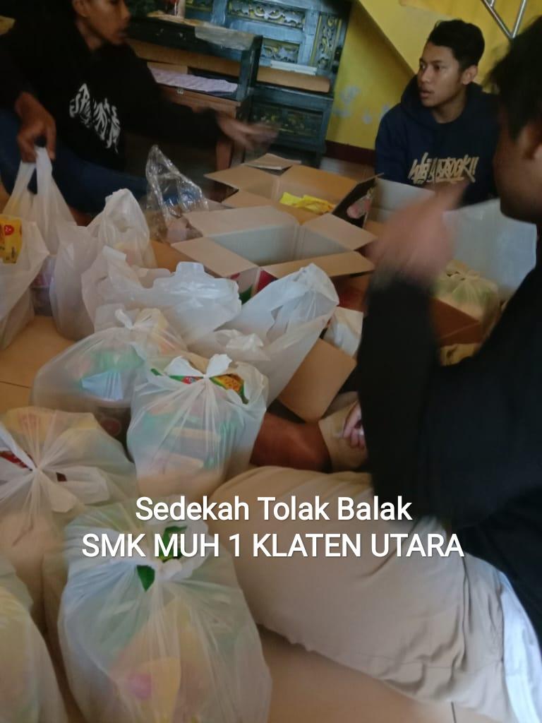 Budaya bersedekah SMK Muhammadiyah 1 Klaten Utara