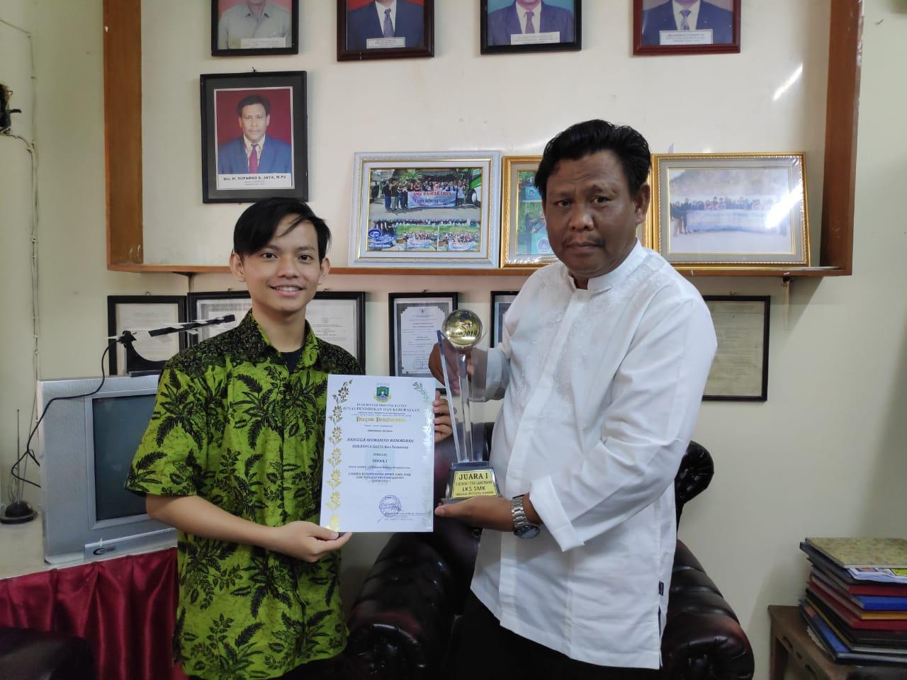 Juara 1 LKS ITNSA tingkat Provinsi Banten tahun 2019