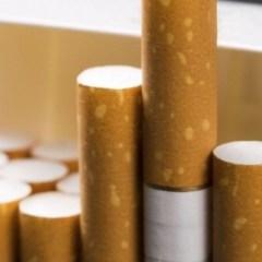 Țigarete provenite din acte de contrabandă confiscate de polițiști la Tășnad