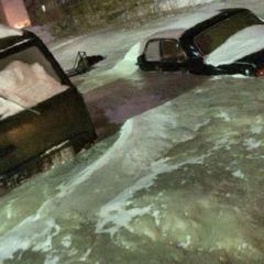 ORAȘUL BOCNĂ. Mașinile sunt ÎNȚEPENITE în blocuri de GHEAȚĂ iar temperatura ajunge până la – 40 grade