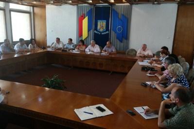 Comitetul Judetean pentru Situatii de Urgenta, convocat pentru a lua masuri in criza apei de la Negresti-Oas